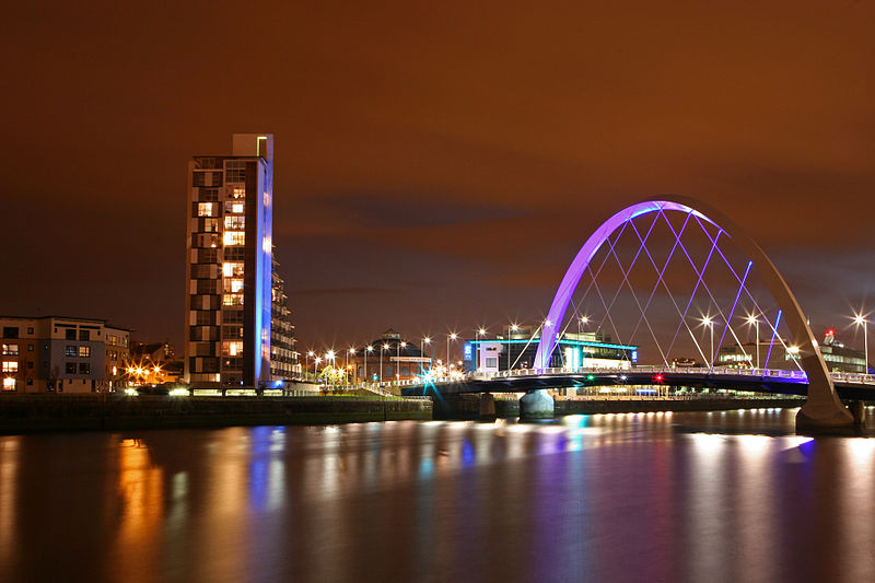 Finnieston_Bridge_Glasgow_at_night