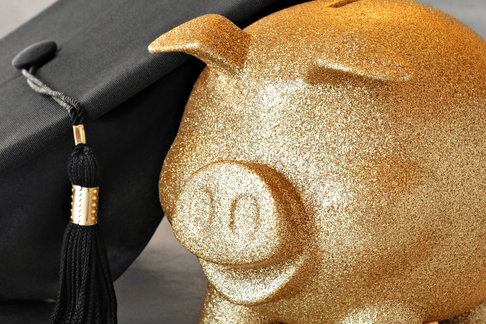University to Offer Out-of-Work Graduates Half Their Tuition Fees Back in Cash