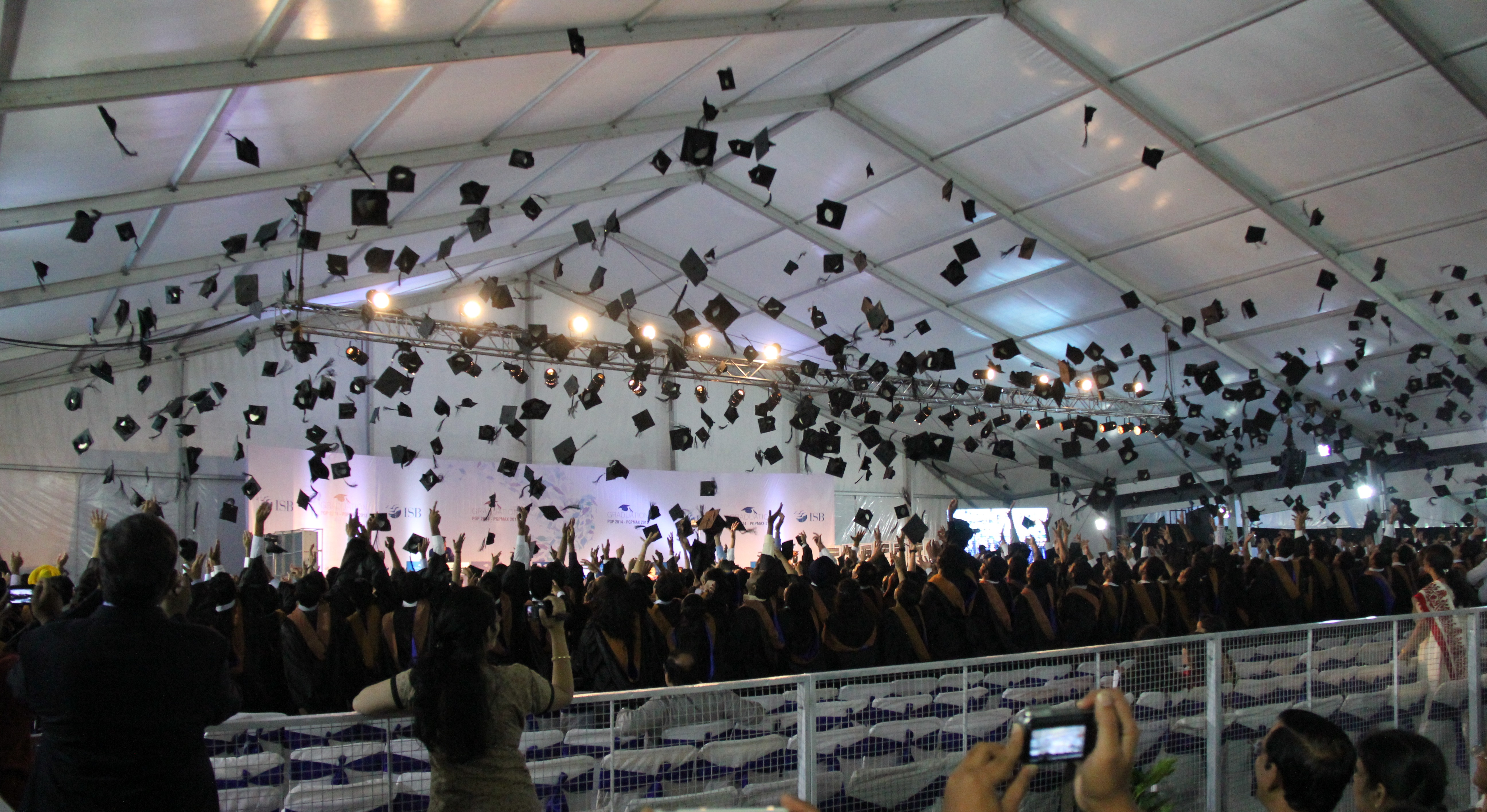 Square_academic_cap_(graduation_hats)