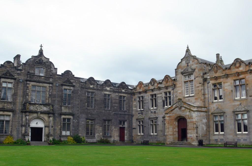 St_Andrews_-_St_Salvator's_Quad_-_East_and_North_Aisle
