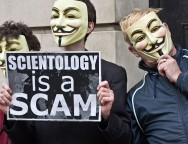 800px-2011_March_19_Protest_against_Scientology_in_Dublin,_Ireland_03