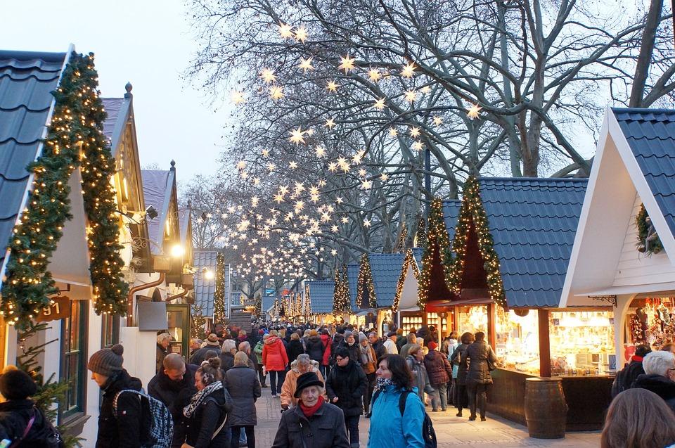 christmas-market-1060516_960_720
