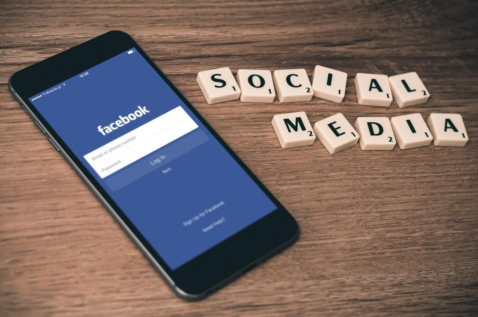 social-media-763731_960_720