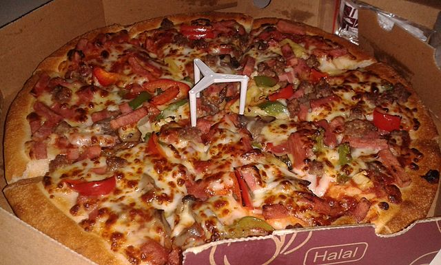 Super_Supreme_pizza_from_Pizza_Hut_in_Indonesia