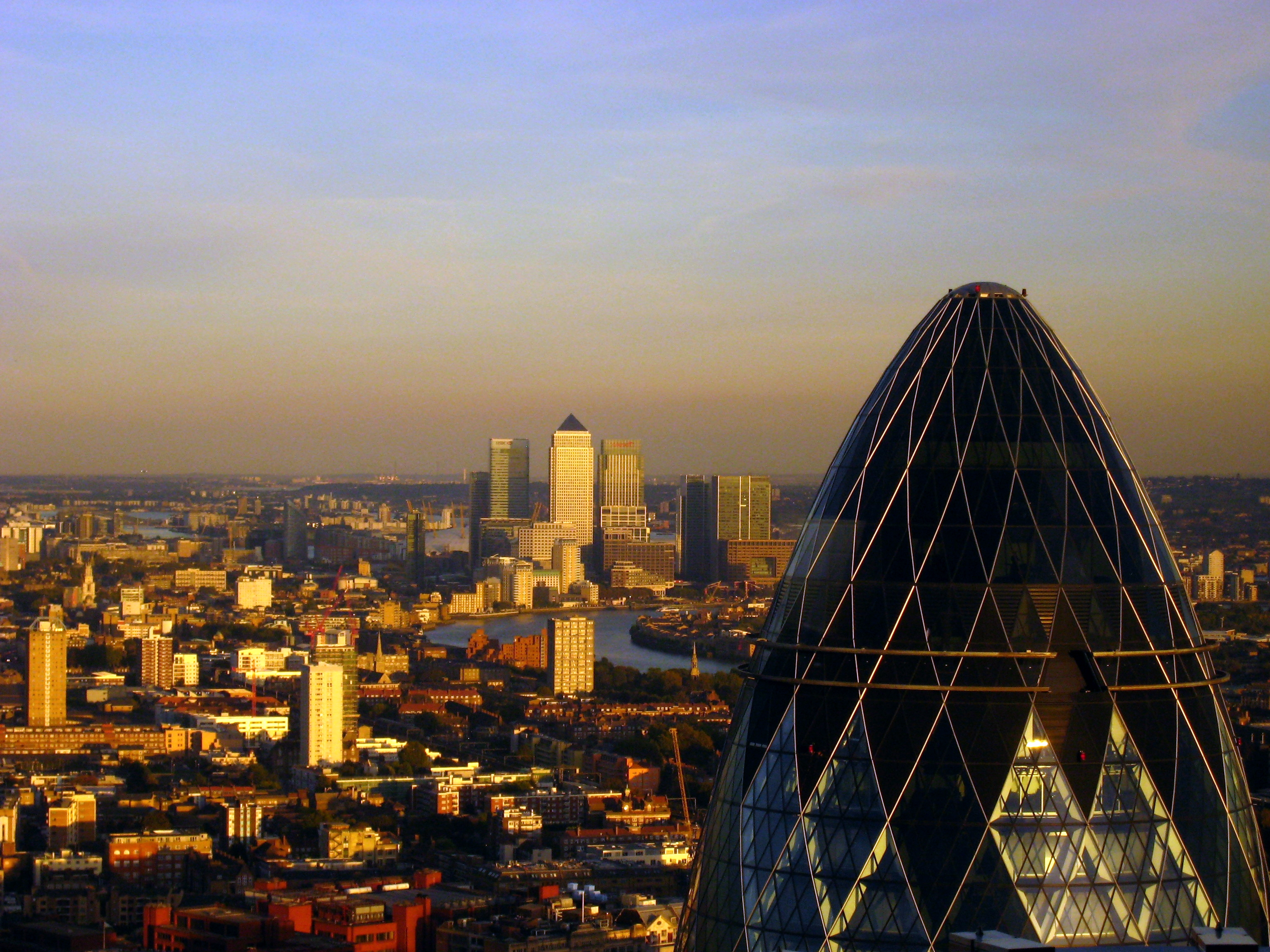 London_-_The_Gherkin_&_Canary_Wharf