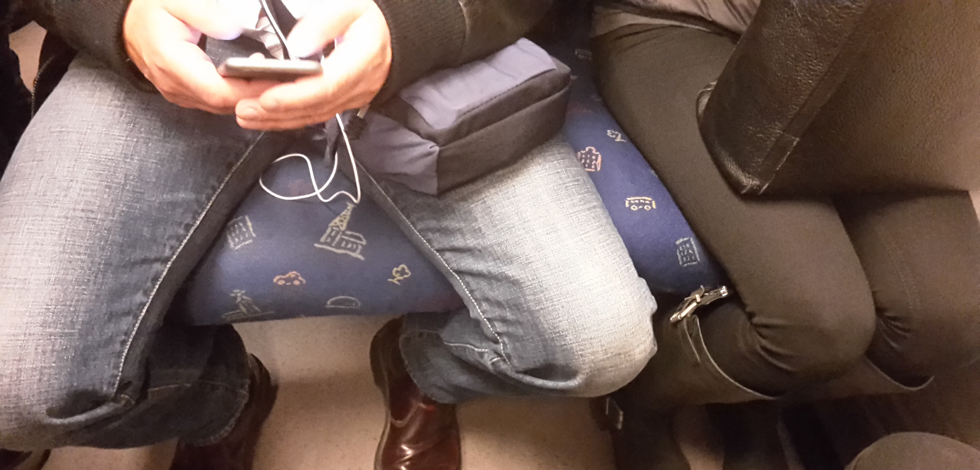 It's time to face the issue of manspreading