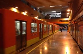 Patriotismo_station_Mexico_City