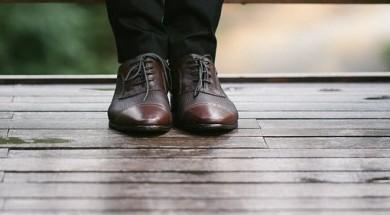 Classic Men Shoes Feet Oxford