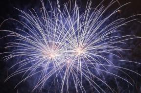 Marina-Bay_Singapore_Firework-launching-CNY-2015-08