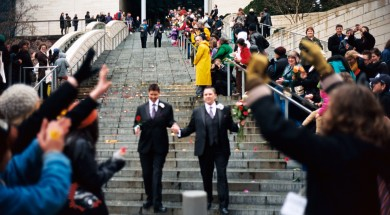 Leaving_Seattle_City_Hall_on_first_day_of_gay_marriage_in_Washington_2