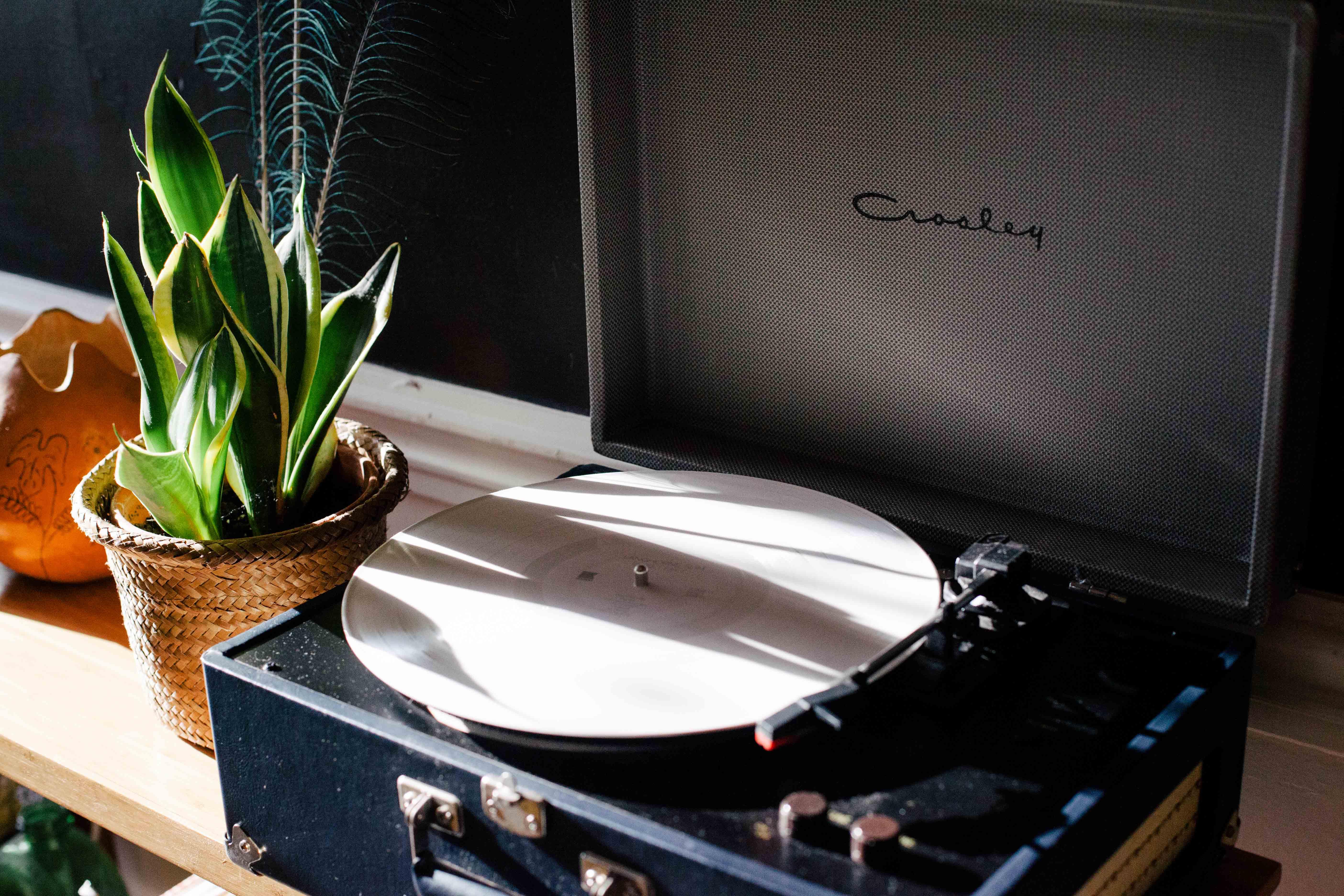 vinyl returns