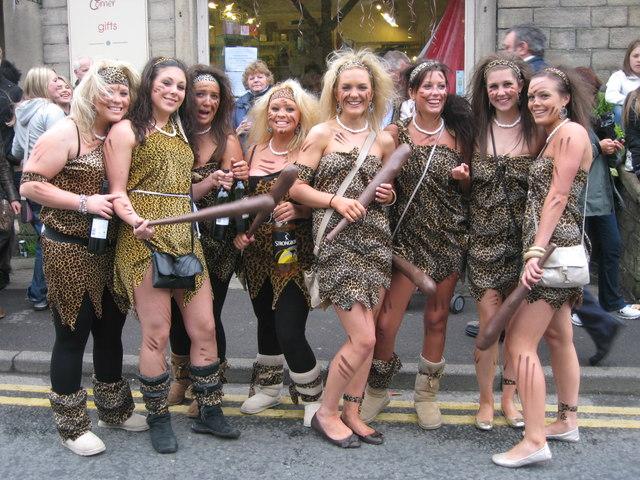 Posando Chicas desnudas borrachas